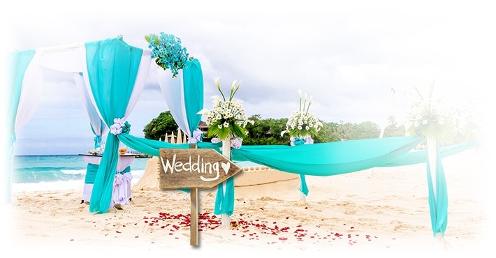 Beach wedding theme provided by destination wedding planners in ontario Canada