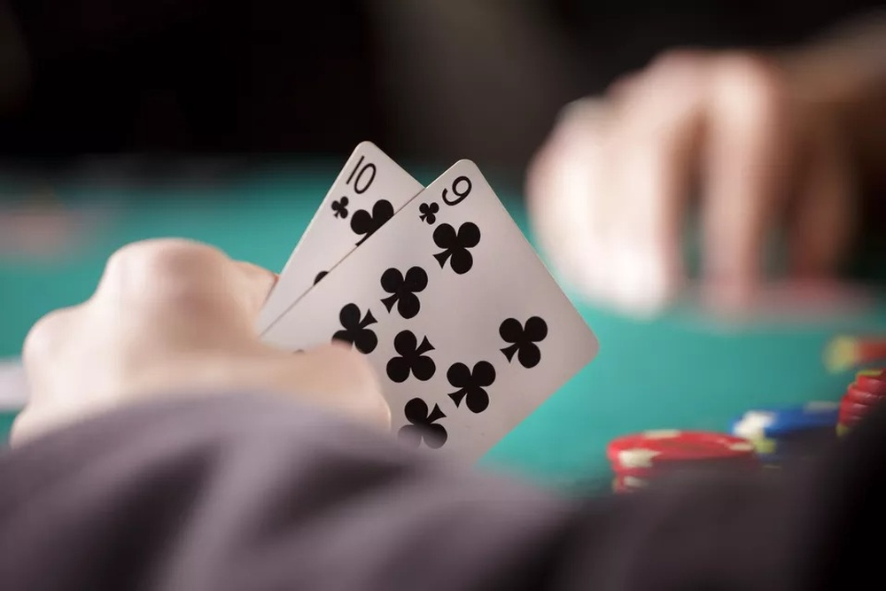 close-up-of-poker-player-s-hands.jpg