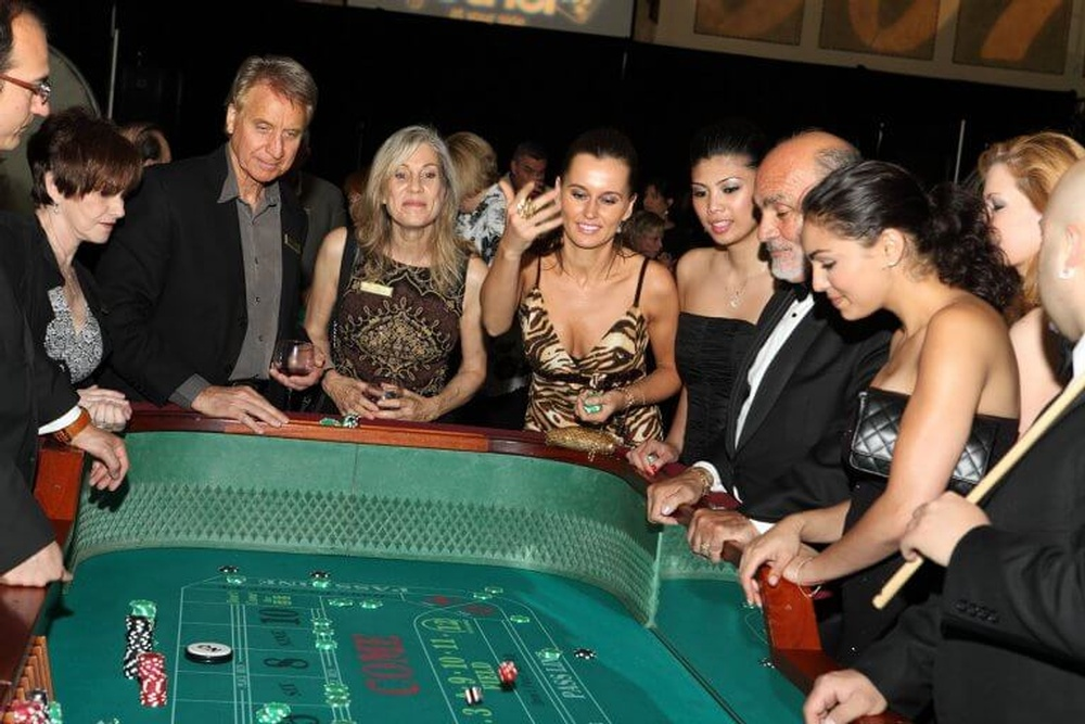 James-Bond-Casino-Night-768x512.jpg