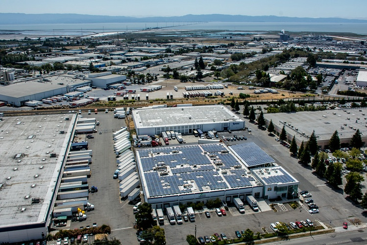 Commercial Rooftop & Canopy solar Array Installation Hayward, CA by FRESCO SOLAR