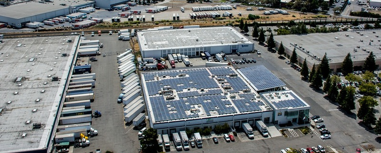 Commercial Rooftop and Carport solar panel Array by FRESCO SOLAR