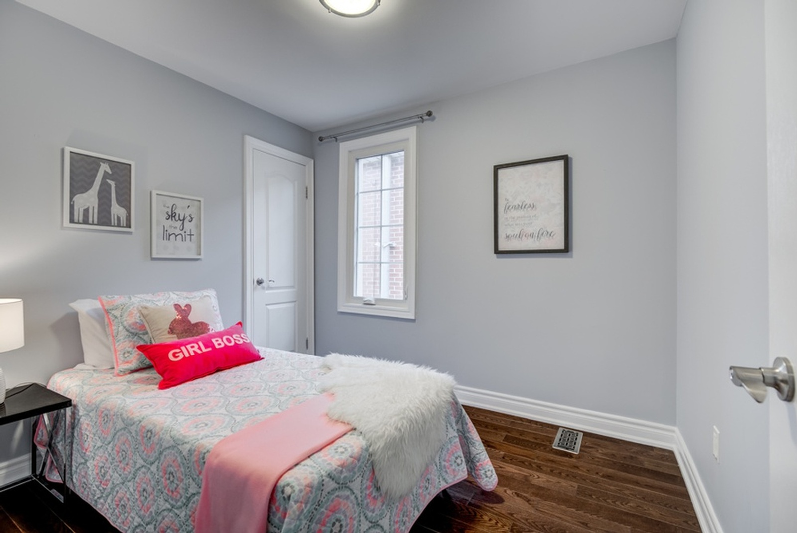 Small Bedroom - Home Staging Services East York by Impressive Staging