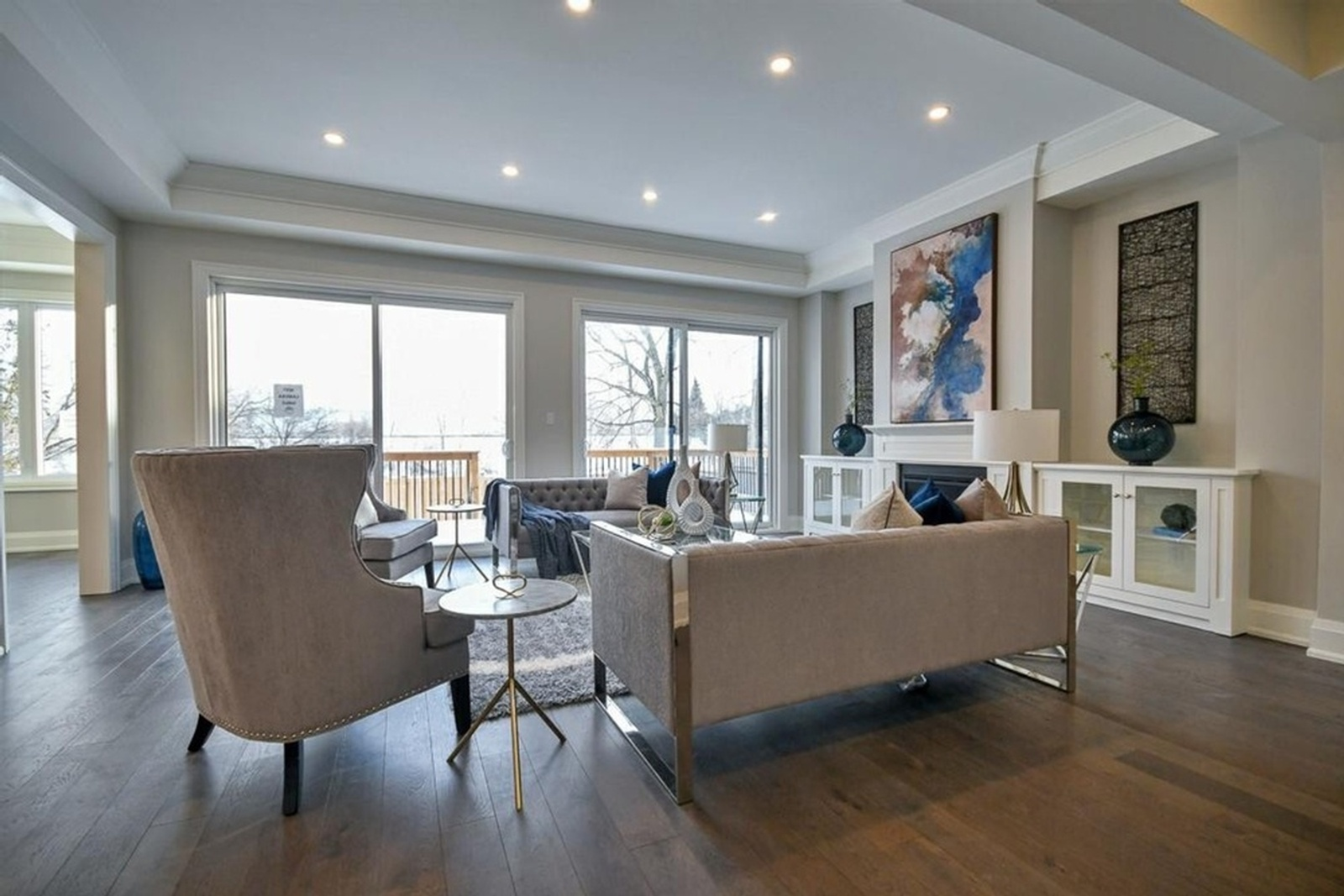 Occupied Property Staging Dunbarton Pickering, Condo Village by Impressive Staging