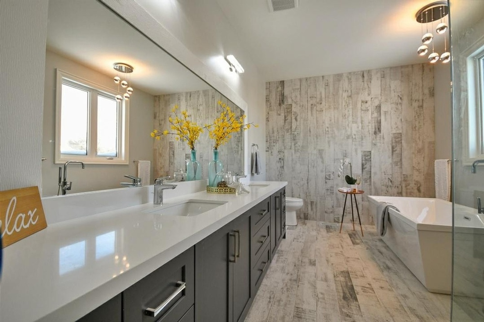 Modern Bathroom Vanity -  Home Staging Consultation Pickering by Impressive Staging