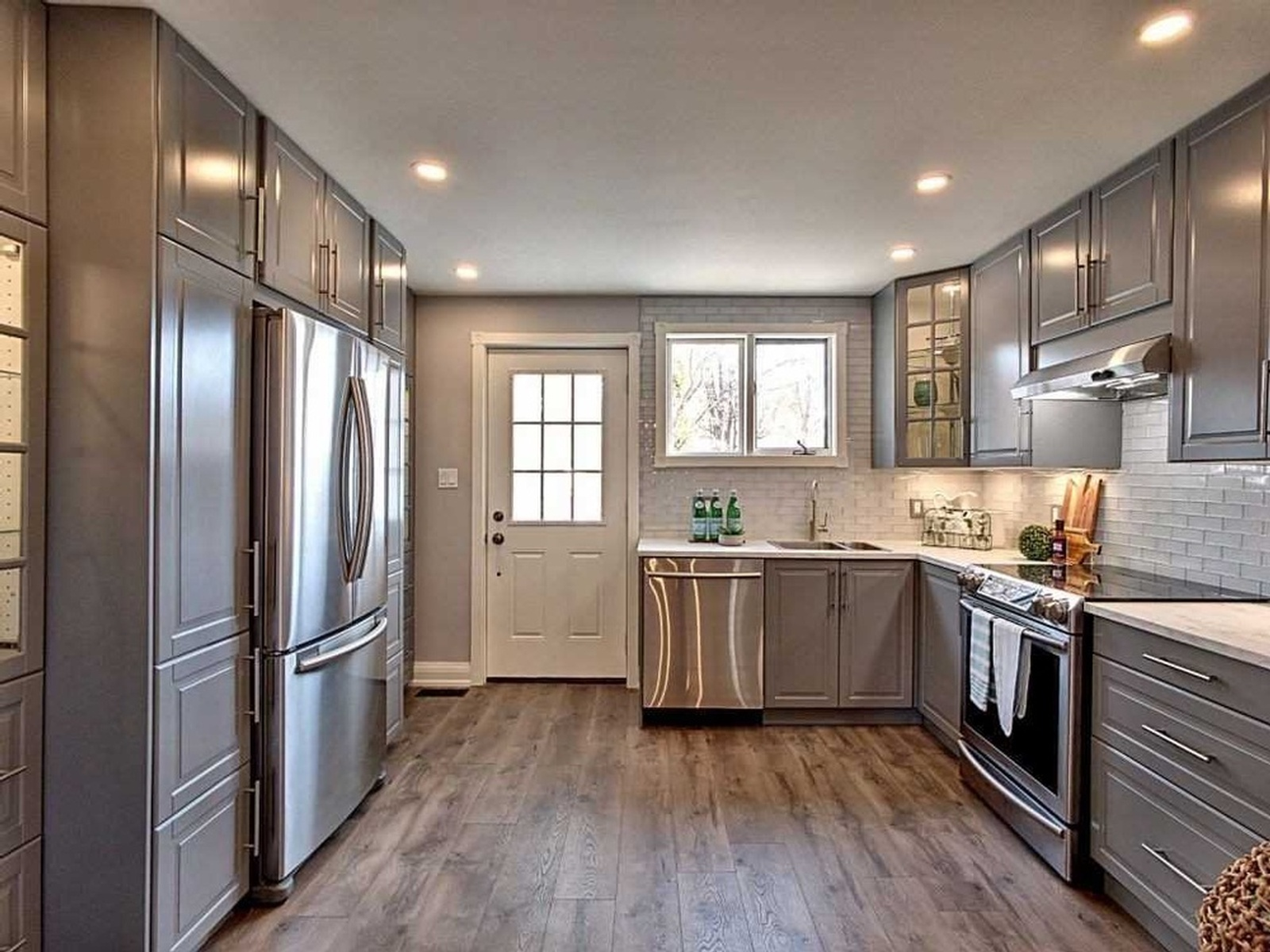 Modular Kitchen - Home Staging Services Oshawa by Impressive Staging