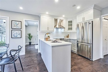 White Modular Kitchen - Home Staging Services Whitby ON by Impressive Staging