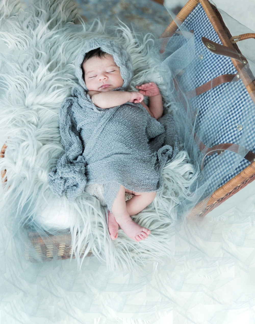 Newborn Session With Baby Leia - Eve Parisa Photography.jpg