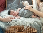 Newborn Photography Coquitlam by Eve Parisa