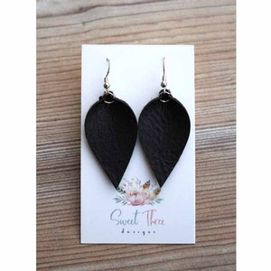 Sweet three design - Black Leaf Earrings