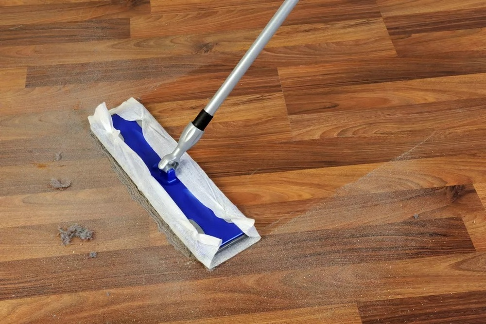 cleaning-with-mop-183813392-5b62.jpg