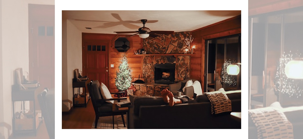 A room decorated according to winter decor tips