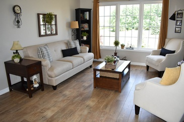 Modern Living Room Hardwood Floor Installation Hamilton by Bert Vis Flooring Inc.