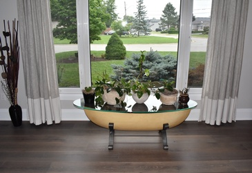 Accent Table with Planters in Living Room - Hardwood Flooring St Catharines by Bert Vis Flooring Inc.