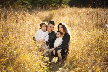 Outdoor Family Portrait Photography by Artistic Creations Photography and Video - Family Photographer Edmonton