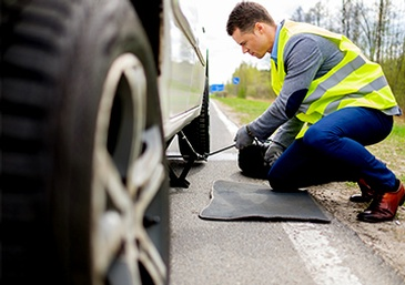 Tire Change Service By 44 Services Inc. In Winter Haven FL