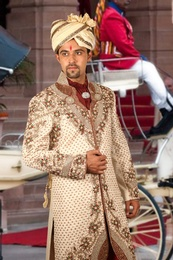 Remarkable Royal Sherwani BL2039