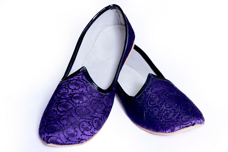 Purple Black Color Simple Mojari Juti