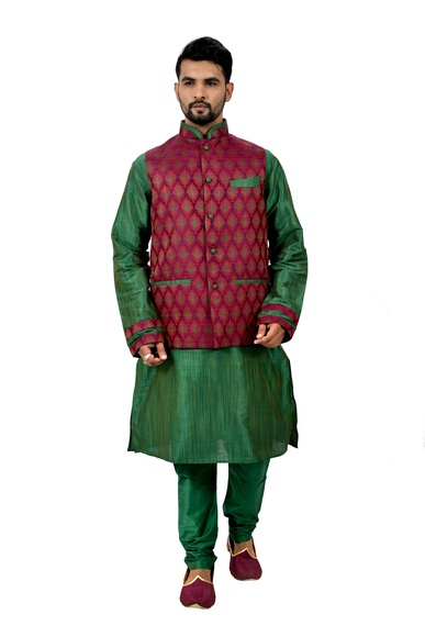 Green Kurtasetwith Multi Jacket
