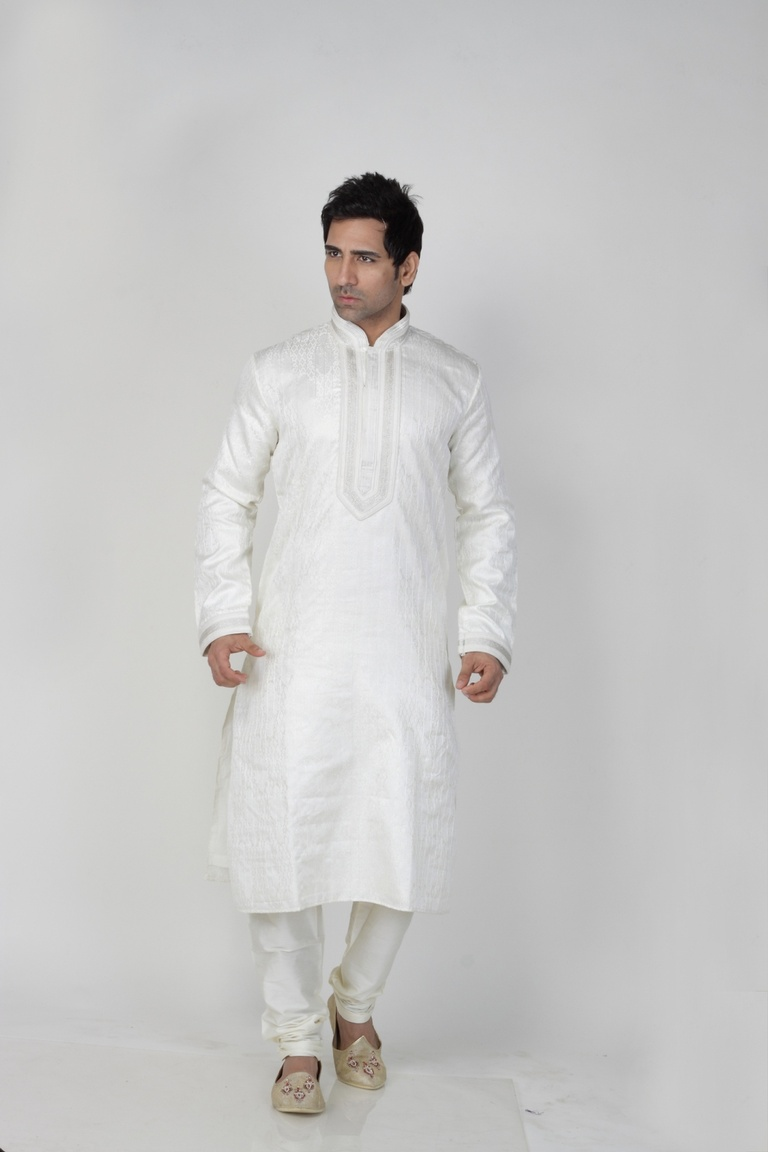 White  Color Ethnic  Kurta Payjama