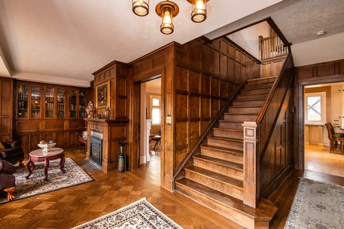 Wood Panelled House - Real Estate Photography Toronto by Matt Tibbo