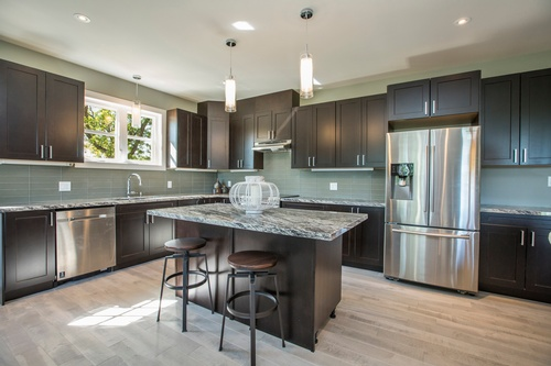 Modular Kitchen with wooden cabinets - Real Estate Photography Services Barrie by Matt Tibbo