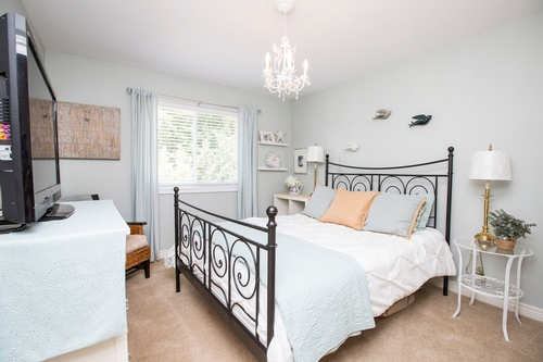 Cozy Bedroom - Real Estate Photography Services Uxbridge by Matt Tibbo