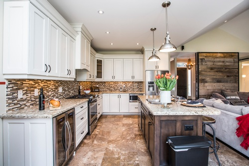 Modern Kitchen - Real Estate Photography Mississauga by Matt Tibbo