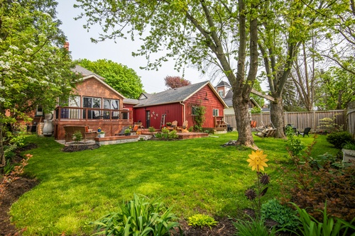 Cottage Houses Captured by Matt Tibbo - Real Estate Photographer Hamilton