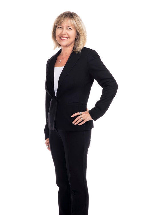 Female Business Photography Services by Matt Tibbo - Business Photographer Hamilton