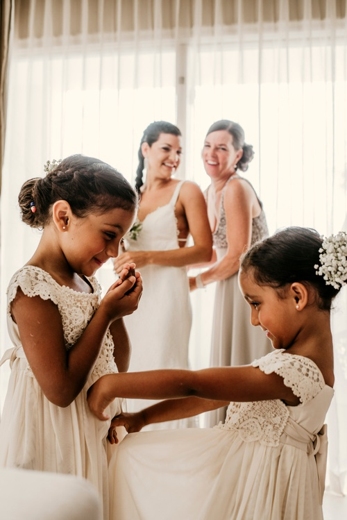 Flowergirls - Wedding Photography Barrie by Matt Tibbo