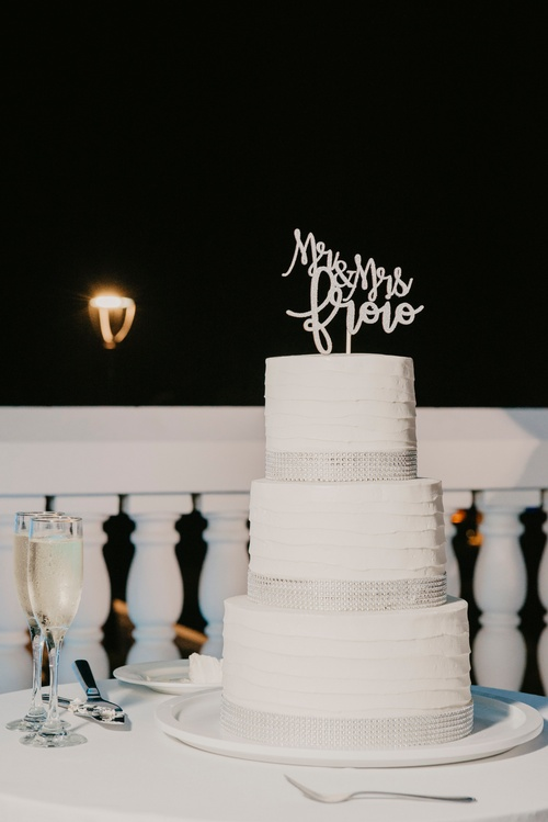 White Wedding Cake Captured by Wedding Photographer Mississauga - Matt Tibbo