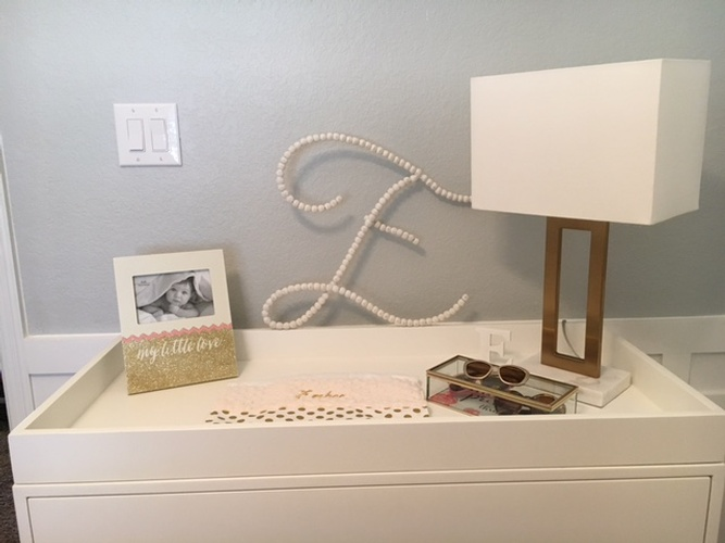 Console Table decorated with cute frame and square lamp - Tarrant County Interior Decoration