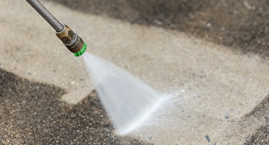 Pressure Washer - Cleaning Company Jacksonville by Benin cleaning services, LLC